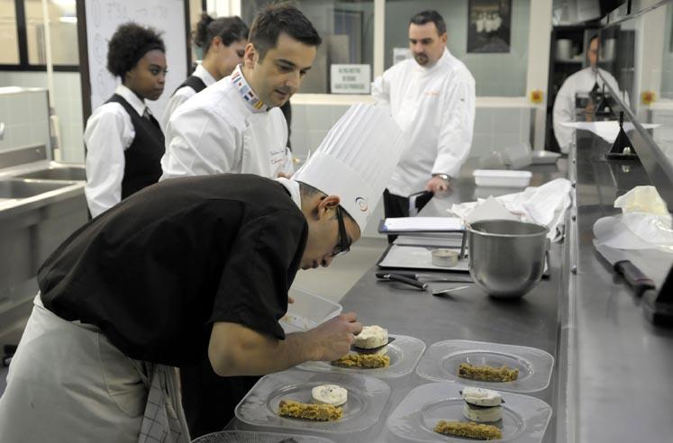 Le Championnat De France Des Desserts Dans Les Cuisines Du Lycee