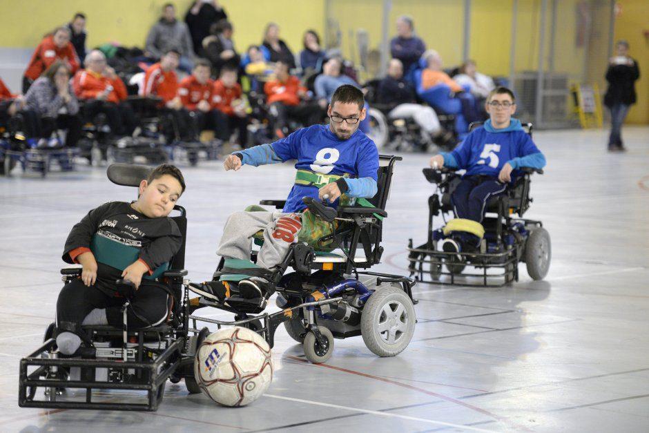 Handisport. Championnat de France de division 4 de Foot Fauteuil organisŽ par Handisport Lyonnais au Gymnase E.Triolet. Sam. 27 fev.2016