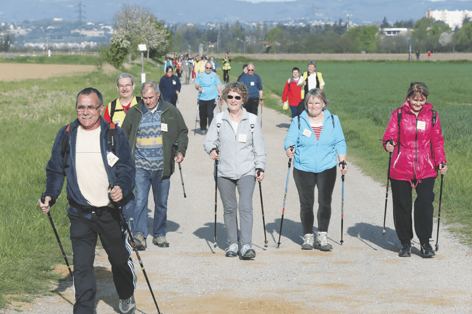 La marche nordique est un sport accessible au plus grand nombre