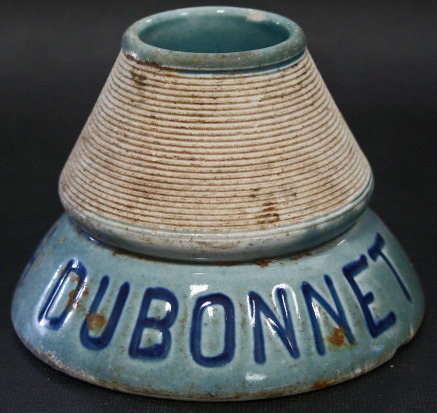 """Un """"Pyrogène"""" publicitaire des années 20 / Crédit Inrap Rhône-Alpes Auvergne"""
