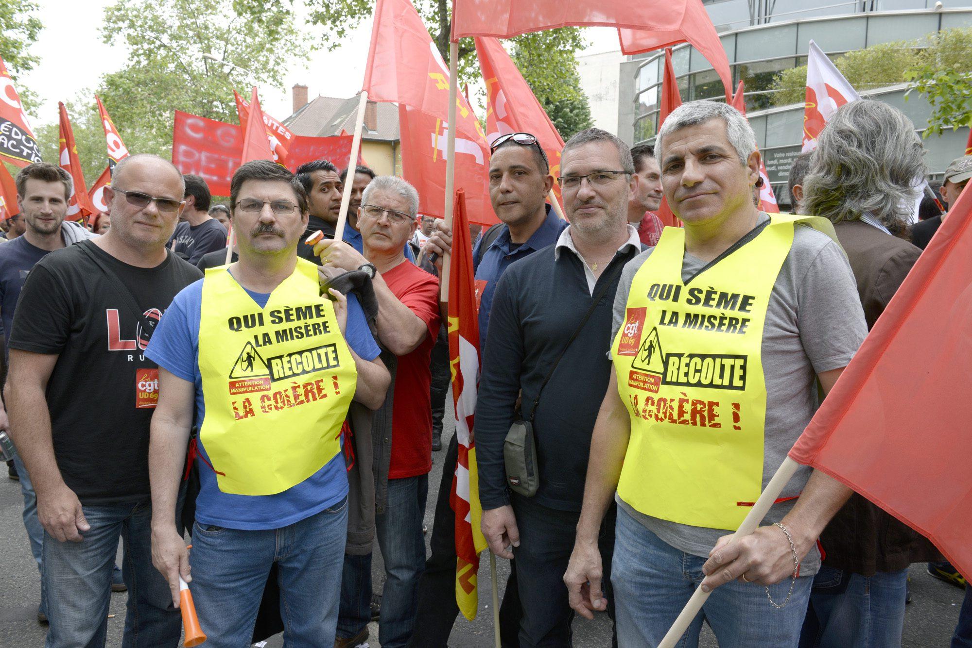 manif. contre la loi travail (El Khomeri) le 26 ami ˆ Lyon. Manufacture ˆ Bellecour avec incidents place du Pont Travailleurs de Sillia