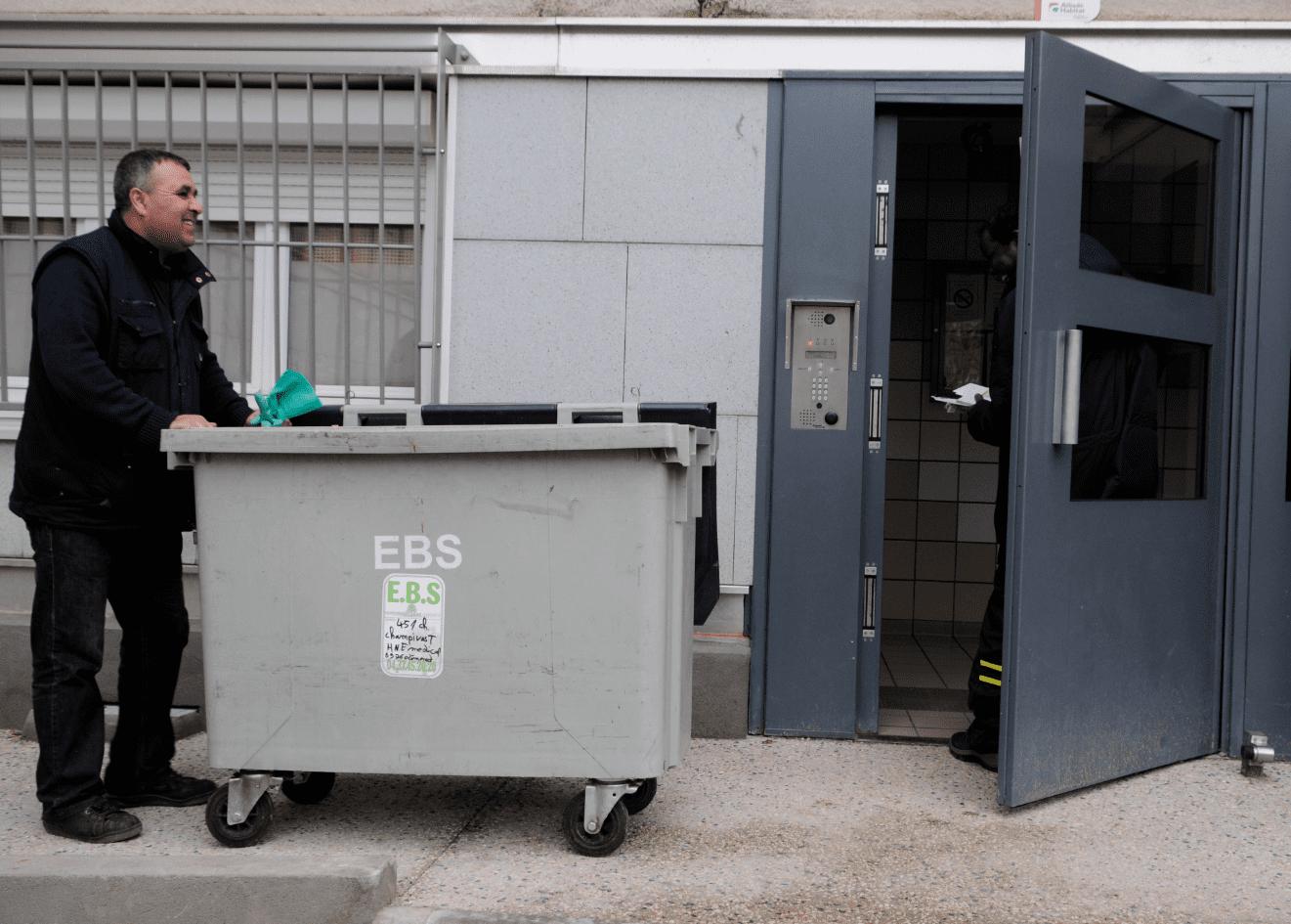 Gardien d immeubles une porte sur l emploi expressions - Formation gardien d immeuble ...